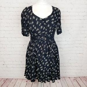 Modcloth|Emily & Fin Dorothy Dress in Navy Daisy